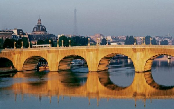 Pont neuf empaqueté. Christo et Jeanne Claude